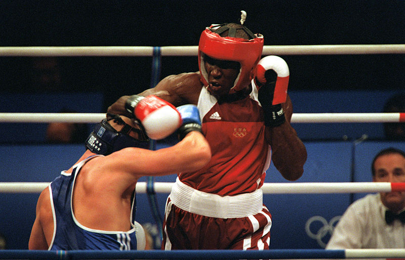 image of boxers on the ring